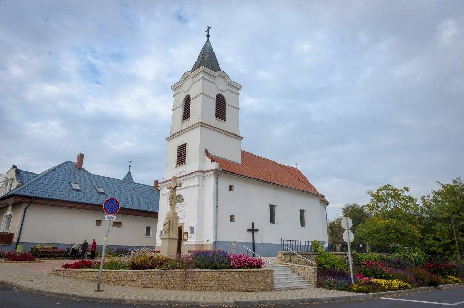 zsírvesztés a templomok körül